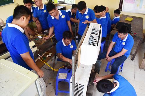học nghề điện lạnh sửa những thiết bị nào