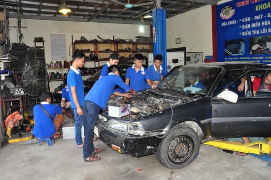 Học nghề sửa chữa ô tô - nghề hot - không lo thất nghiệp