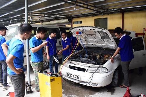 học nghề sửa chữa ô tô tại dạy nghề thanh xuân