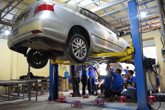 Nghề sửa chữa ô tô có những khóa học nào