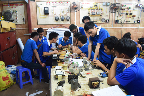dạy nghề điện công nghiệp