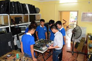 Dạy Nghề Sửa Chữa Tivi LCD, LED, PLASMA