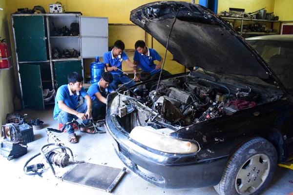 dạy nghề điện ô tô tại dạy nghề thanh xuân