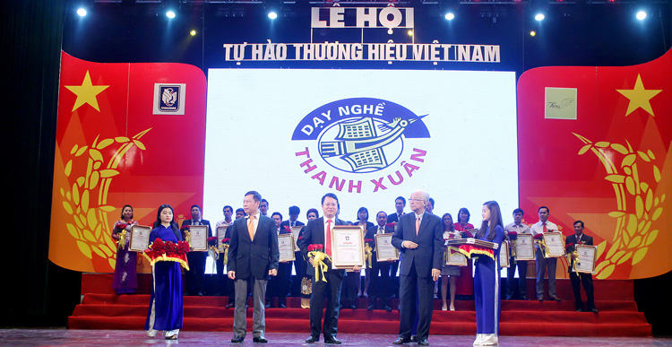 vinh-danh-day-nghe-thanh-xuan