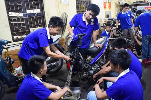 Học sửa chữa xe máy ở đâu Hà Nội?