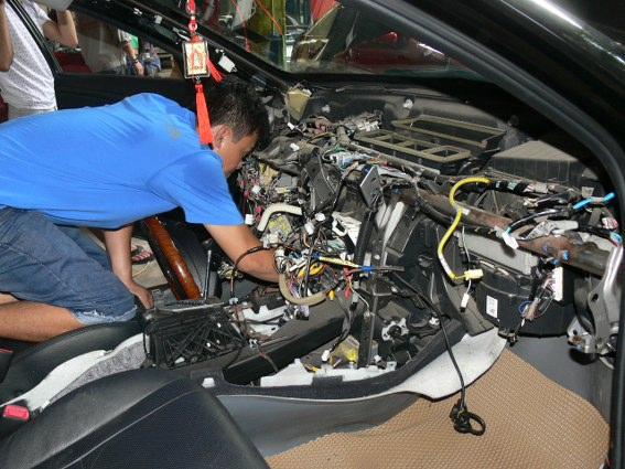 Học nghề sửa chữa điện ô tô như thế nào ?