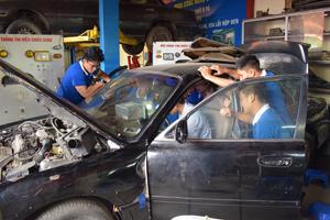Sửa chữa ô tô, nghề tiềm năng cả hiện tại và tương lai.