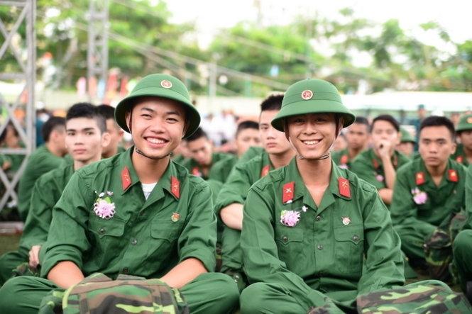 học nghề được tạm hoãn nghĩa vụ quân sự