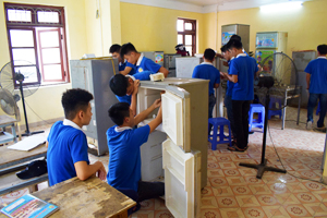 Học nghề điện lạnh ra mở cửa hàng sửa chữa Điện Lạnh, lương tháng 4 - 12 triệu