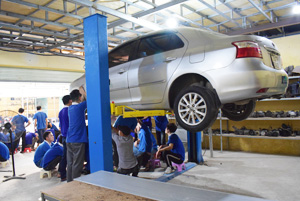 Học sửa chữa ô tô ở đâu tốt nhất